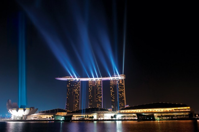 On the last night we went up on the Marina Bay Sands Hotel to have a last view on the city. Photo (c) woudmedia