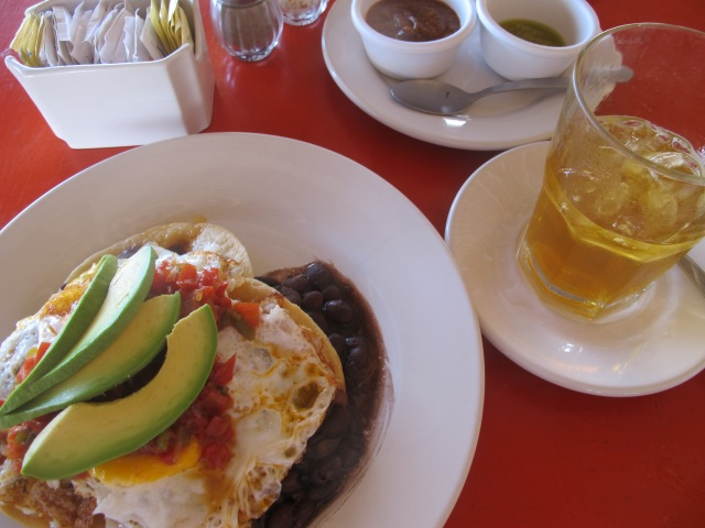 And the food delicious as can be (ZAMAS HUEVOS RANCHEROS!)